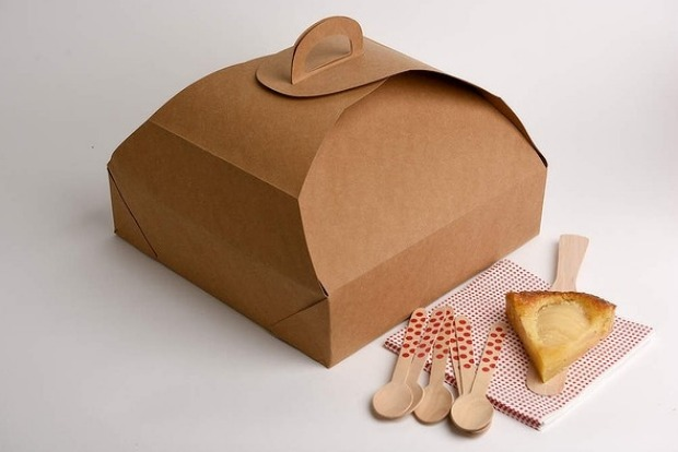 6. Bake & take Forget cumbersome plastic carriers, this washable cardboard box (by washable we mean wipe-clean) folds ...