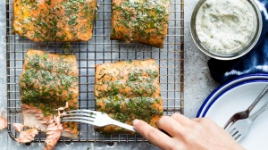 Smoke your own salmon with this easy set-up.