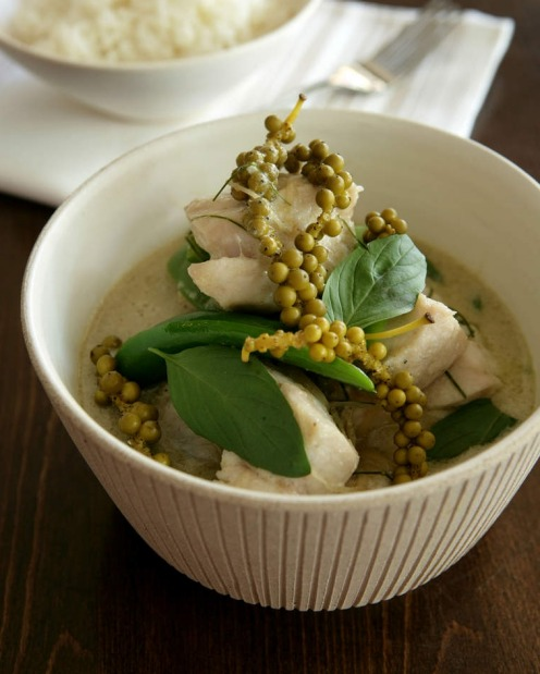 COCONUT MILK: Thai green curry with fresh peppercorns <a ...