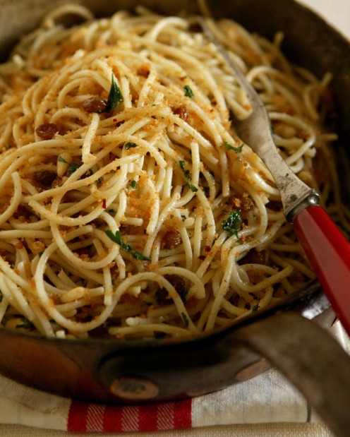 ANCHOVIES: Pantry pasta - spaghetti with anchovies, sultanas and breadcrumbs <a ...