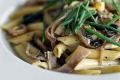 Super-quick dinner: Penne with mushrooms.