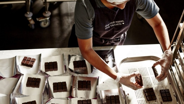 Hands-on: Pana chocolate production.