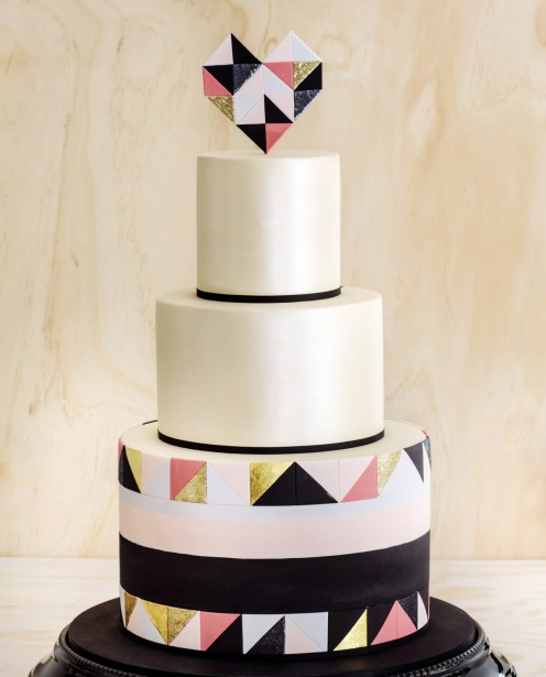 A striking and graphic creation from Faye Cahill Cake Design.