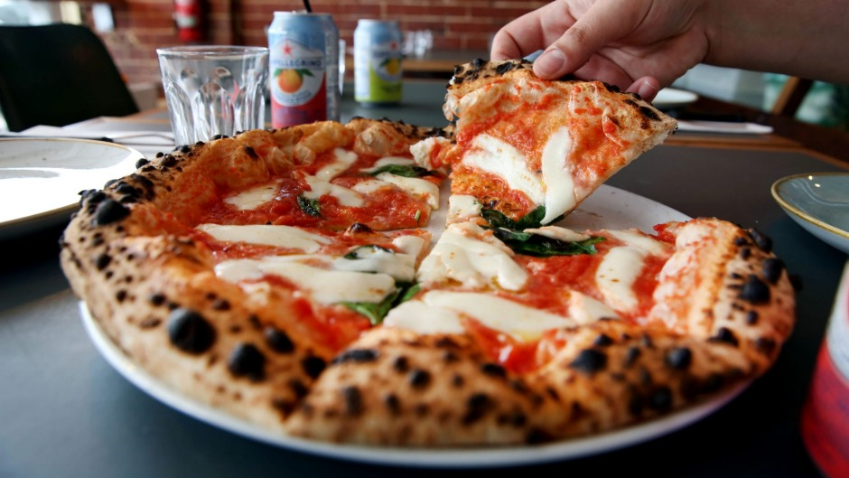 Puffy-crusted margherita pizza at Shop 225.