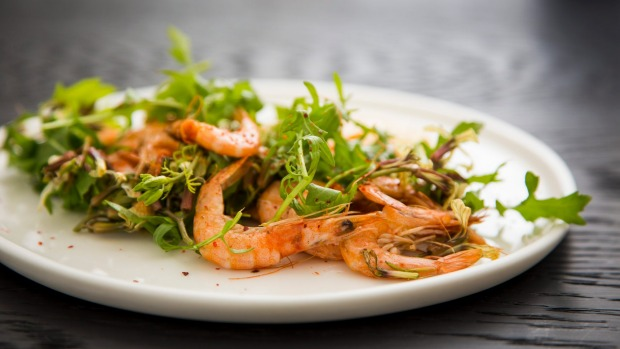 Grilled Hawkesbury school prawns served with rocket leaves, flowers, garlicky aioli and espelette pepper.