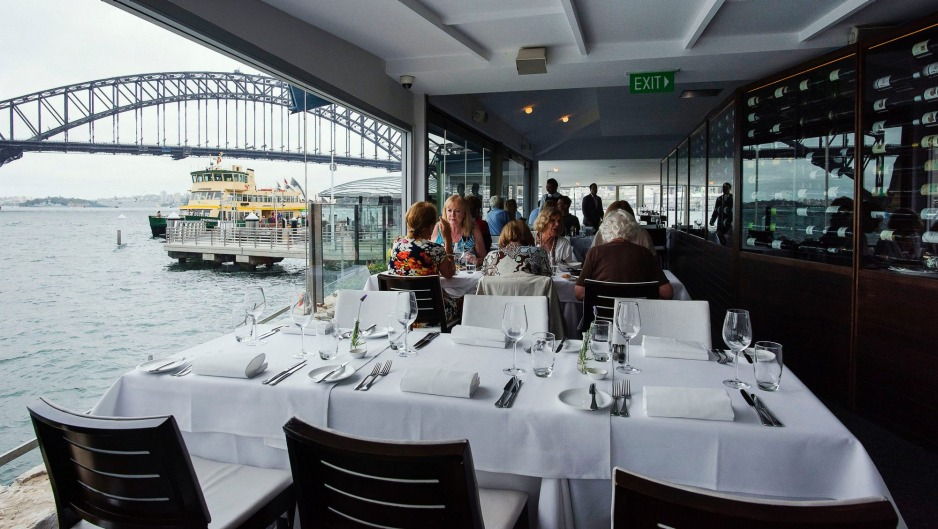 Sails on lavender bay review mcmahons point review 2016 for Best private dining rooms sydney 2016