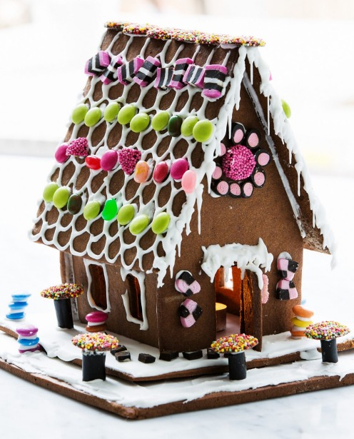 Philippa Grogan's gorgeous gingerbread house <a ...