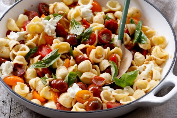 Pasta with cherry tomatoes, basil and pine nuts <a ...