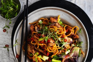 Stir-fried Hokkien noodles with chicken, chilli.