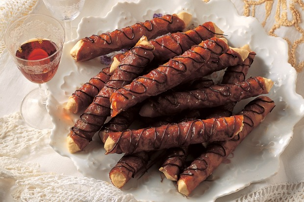 Brandy snaps with coffee liqueur. <a ...
