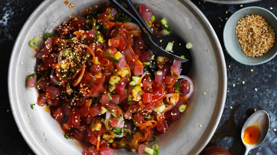 Spicy tuna tartare salad.
