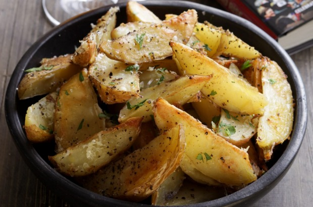Cheesy salt and pepper potato wedges. <a ...