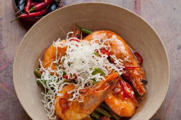Singapore chilli prawns with crisp-fried noodles. <a ...