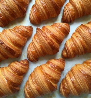 Freshly-baked Lune croissants are coming to the city.