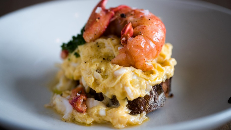 Marron scrambled eggs.