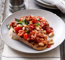 White beans with spicy chipotle.