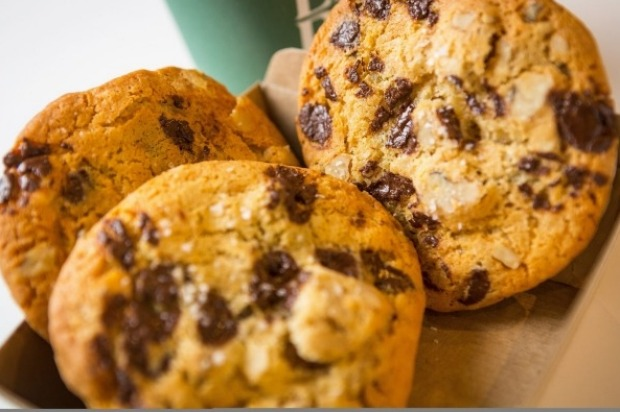 Earl Canteen's perfect choc-chip cookies with a sprinkle of sea salt <a ...