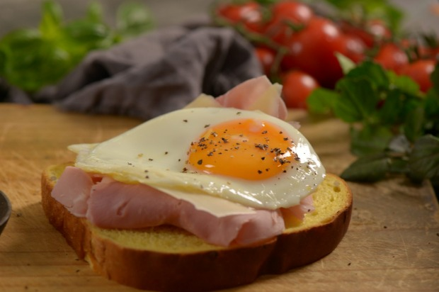 Ham off-the-bone, fried egg, gruyere: 1 slice AVB Pumpkin & Sunflower Seed bread, 50g ham, 1 egg, 30g gruyere cheese