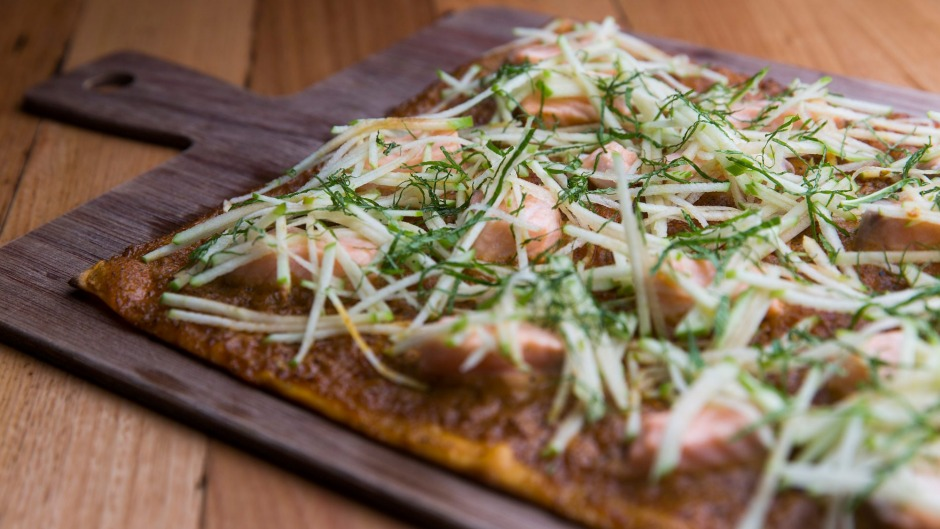 Spicy salmon tarte flambe with apple and mint.