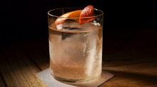 "Old-fashioned gin may be ""mother's ruin"" after all."