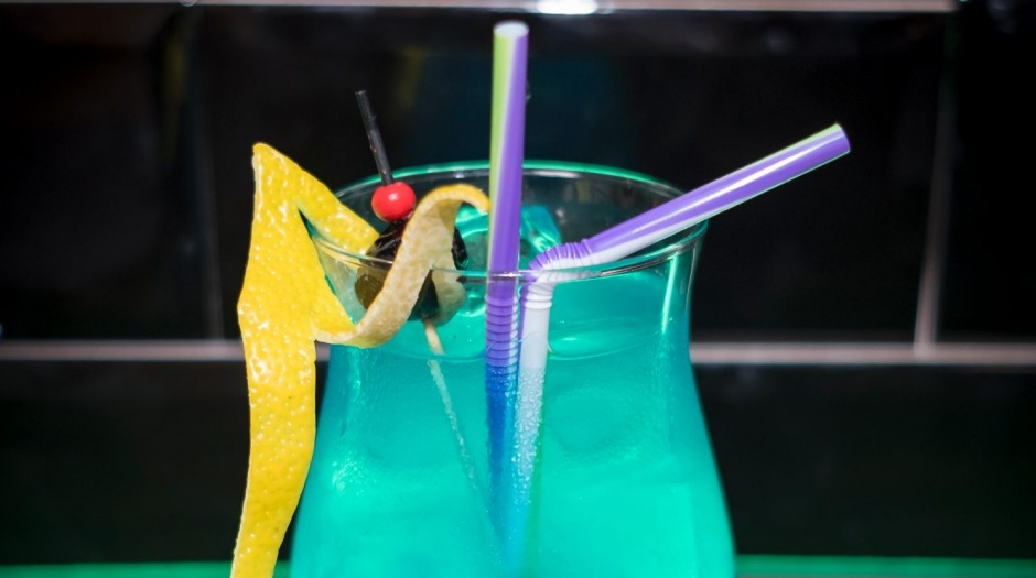 New Canberra '80s bar 88mph will serve up cocktails on tap, like the Blue Lagoon.