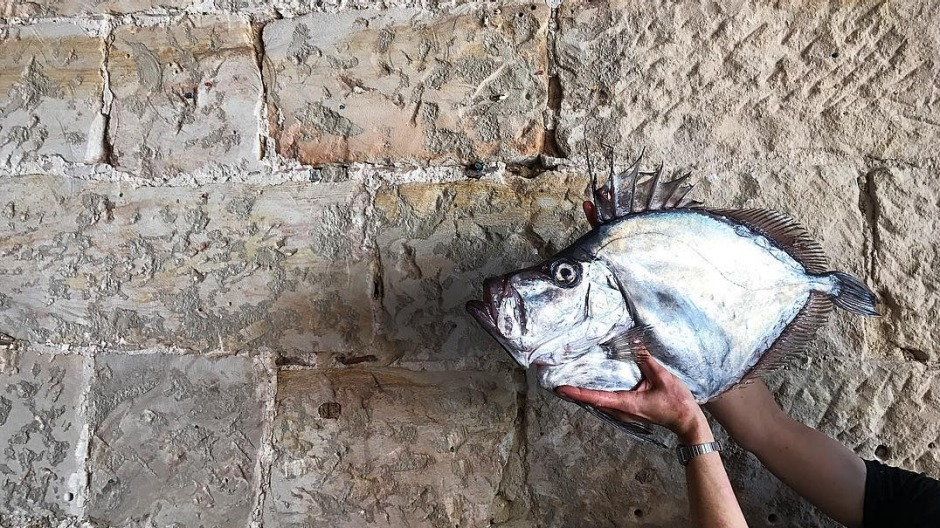 Fish selfies: The great 2017 trend.