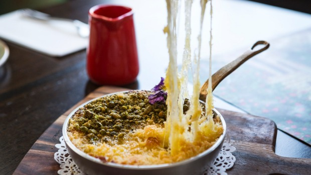 Kanafeh: Sweet dreams are made of cheese.