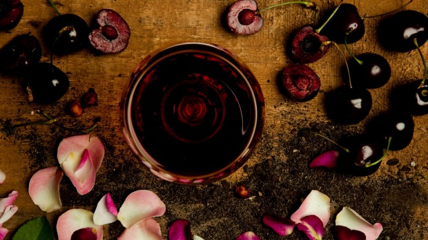 How to drink red wine in summer
