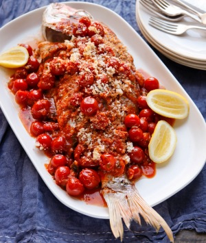 Baked fish with breadcrumbs.