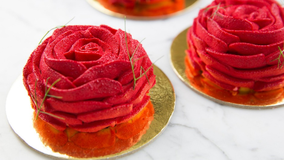 Koi Dessert Bar: Why buy a bunch of roses when you can eat one instead?