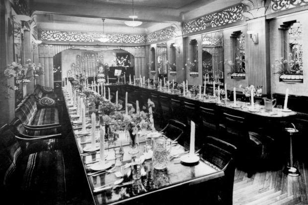 The Paragon's banquet hall in Katoomba in the 1930s.