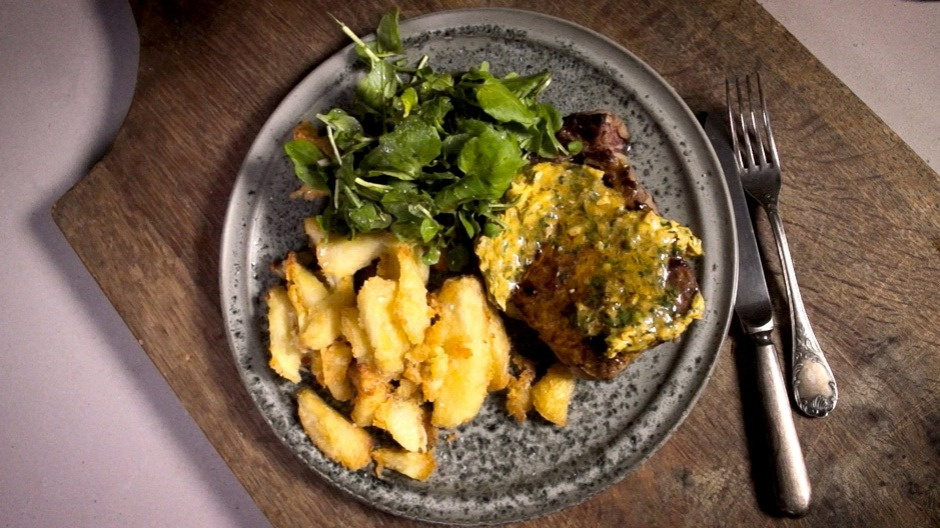 Adam Liaw's steak frites can be easily modified to be FODMAP-friendly.