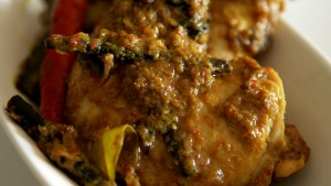 Chicken rendang with cardamom.