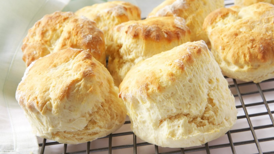 Scones can be cooked in an oven that is not preheated, but this method is not recommended for lighter cakes or bread.