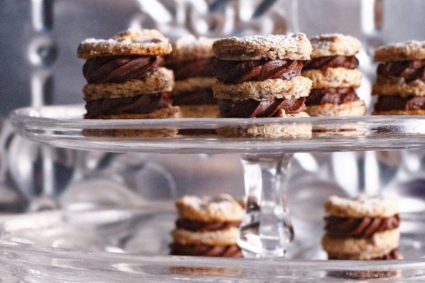 These mini hazelnut and chocolate mousse dacquoise also happen to be gluten free <a ...