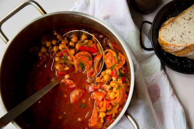 Frank Camorra's Spanish-style chickpea and chorizo soup <a ...