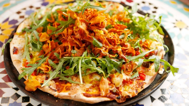 Moroccan pizza (marrakizza).
