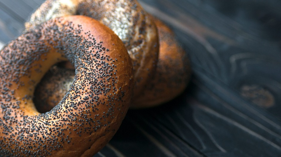 Poppy seeds really can make you fail a drug test.