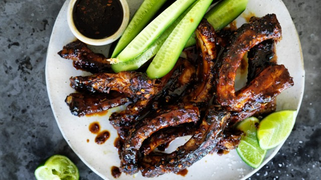 Rib-sticking sticky pork ribs.