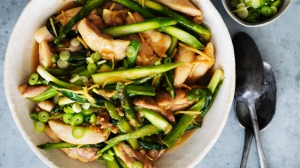 Spring stir-fry with chicken fillets and asparagus spears.