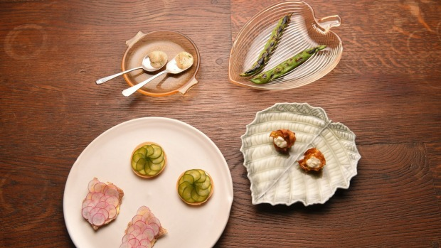 Snacks may include fermented crystallised honey, grilled broad beans, pickle tarts and artichoke hearts with ricotta.