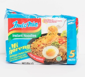 Indo Mie Mi goreng instant noodles in barbeque chicken flavour.