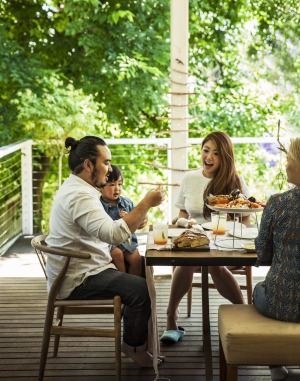 Adam Liaw and his family enjoy a relaxed festive feast at their home.