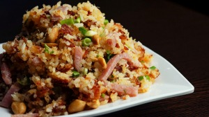 Crunchy fried rice with ham.
