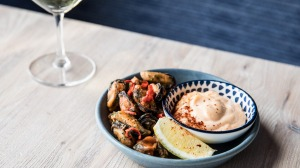 Crisp mussels with fermented chilli aioli