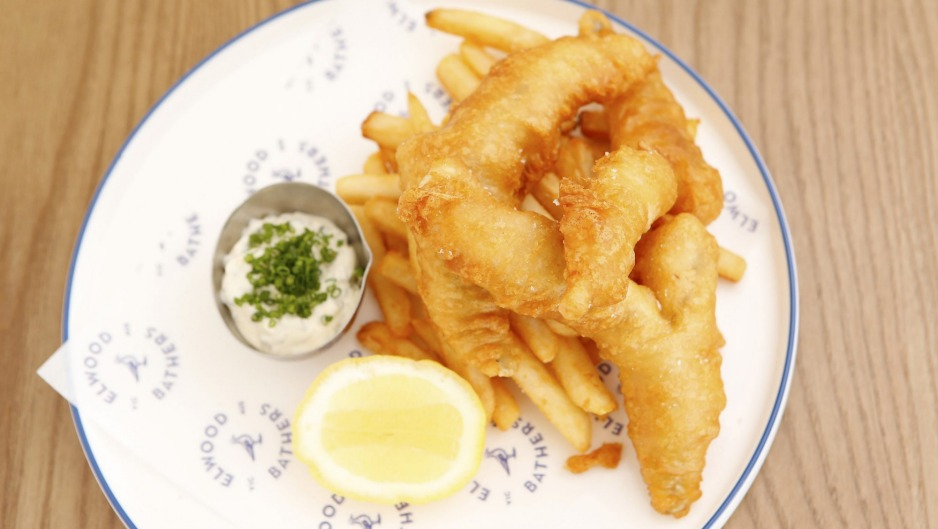 Battered flathead and chips at Elwood Bathers.