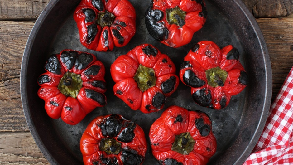 If you don't cook the capsicum enough, the skin will not lift off the flesh.
