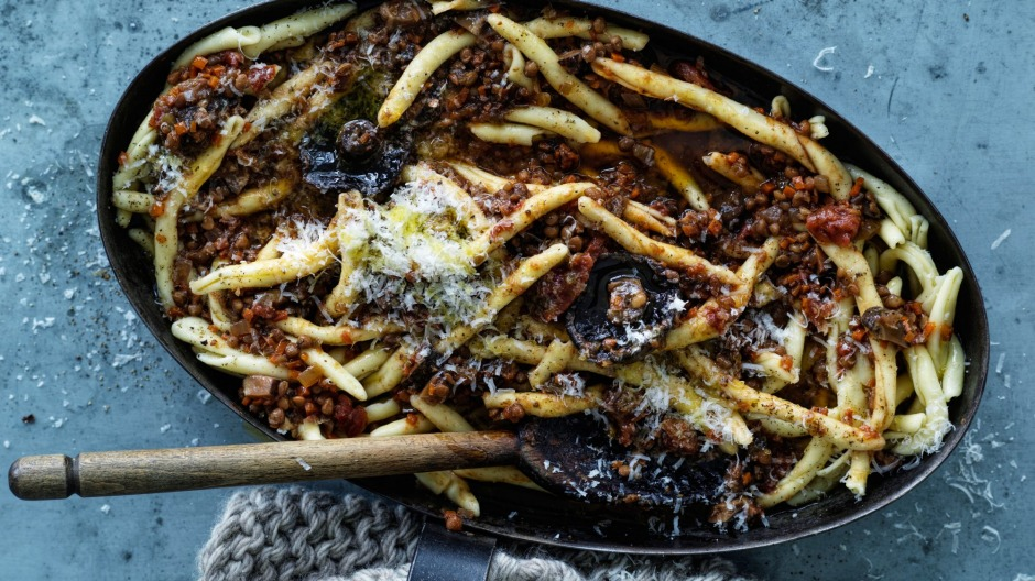 Vegetarian bolognese, no plant-based mince required.