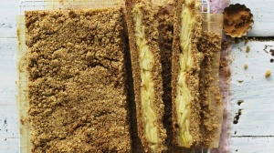 Apple crumble in slice form.