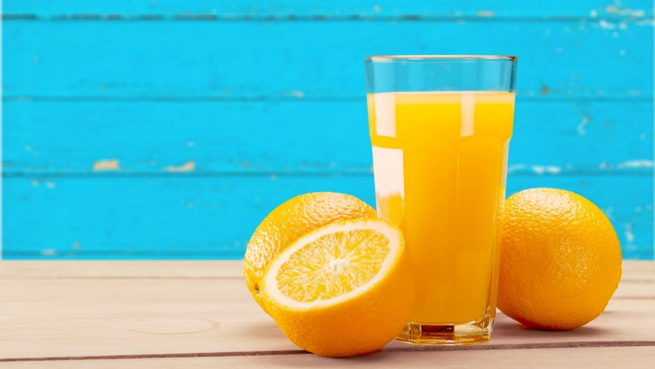 A US study says a daily glass of juice may be worse for health than drinking cola.